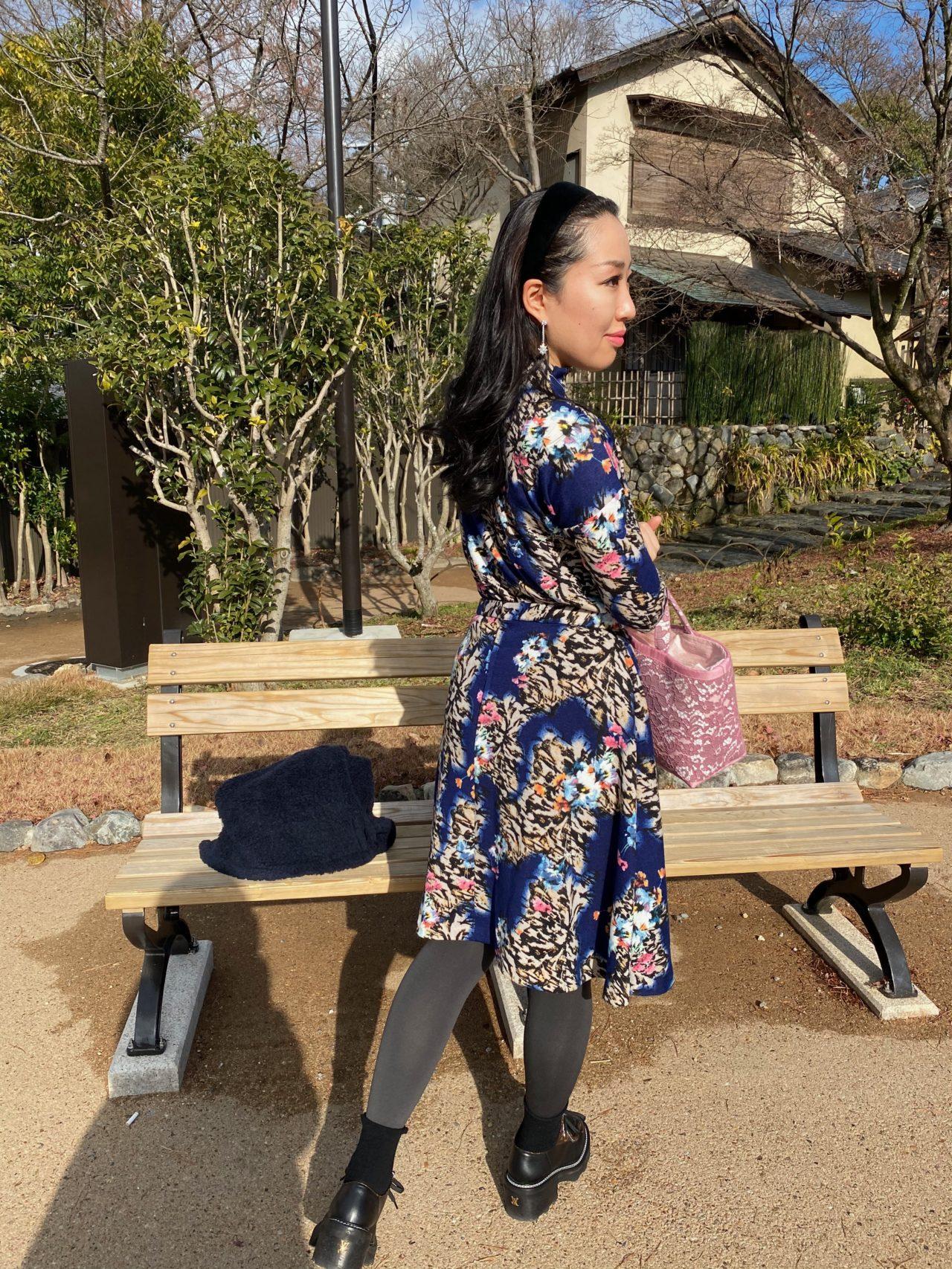 花柄ニットセットアップ 膝丈フレアスカート